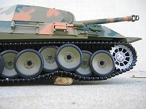 Радиоуправляемый танк HengLong German Panther Airsoft RC Battle Tank 1:16 with Smoke RTR (3819-1) (нажмите для увеличения)