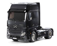 Mercedes-Benz Actros 1851 GigaSpace Black Version 1/14 Kit